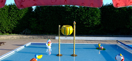 Swimming pool opening times uk holidays the caravan club - Knaresborough swimming pool timetable ...
